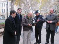 Cort crea un dispositivo que permite que la Policía Local acceda en tiempo real a los datos de establecimientos