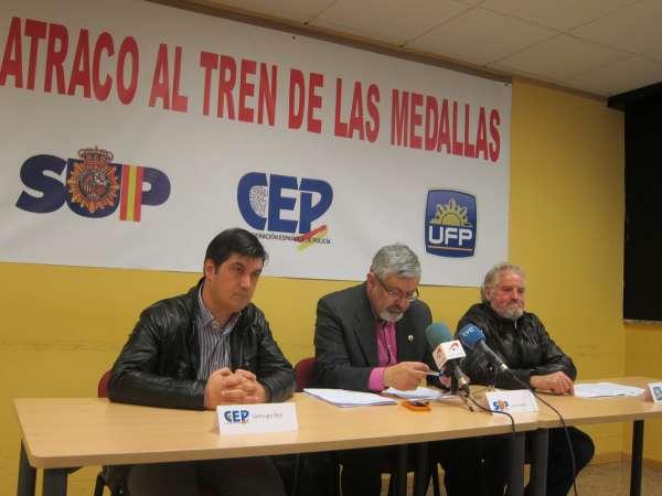 Sindicatos policiales piden a los mandos condecorados que renuncien por