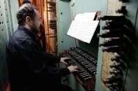 El organista Javier Artigas ofrecerá un concierto en Berdún