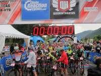 Más de 600 ciclistas toman la salida de la Quebrantahuesos Mountain Bike que se celebra en Biescas