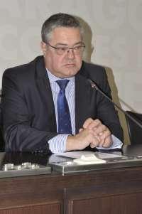 Torres (PP) respalda la decisión de Muñoz de dimitir y anima a fortalecer el sistema democrático