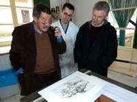 Uno de los grabados de Günter Grass permanece