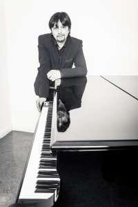 El pianista Enrique Amador 'Musi', en la sala CAI Luzán