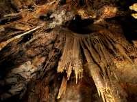 Las grutas de Cristal de Molinos mejoran su equipamiento exterior