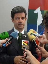 El socialista Luis Felipe será investido alcalde de Huesca con el apoyo de Cambiar Huesca y Aragón Sí Puede