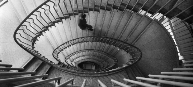 View of the grand staircase at La Rinascente in Rome, designed by Franco Albini and Franca Helg, 1962