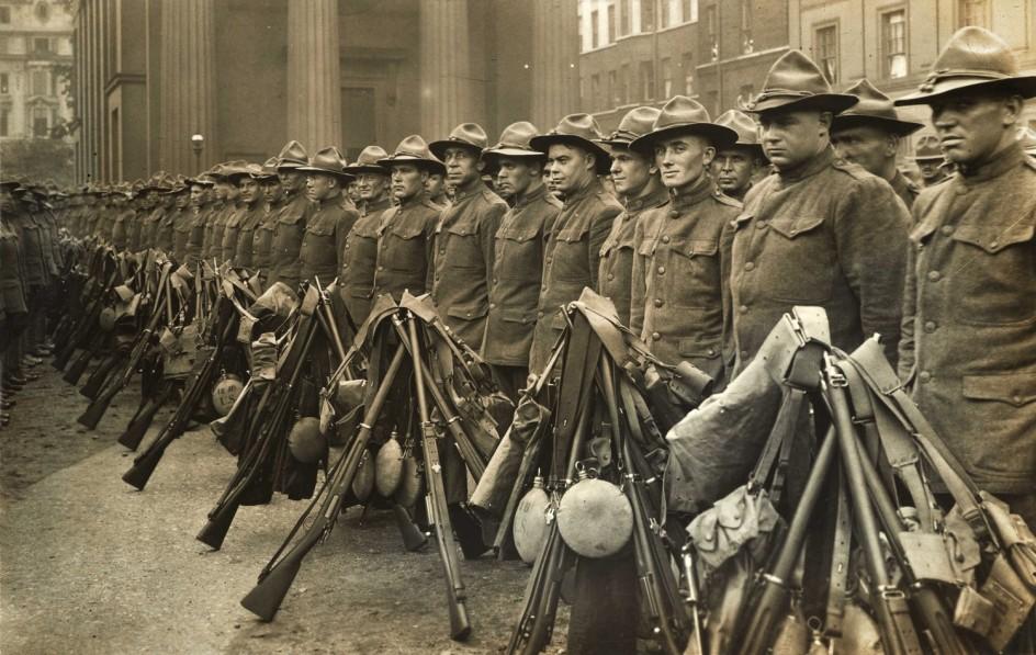 Primer contingente de soldados estadounidenses llegados a Inglaterra para pelear en la I Guerra Mundial