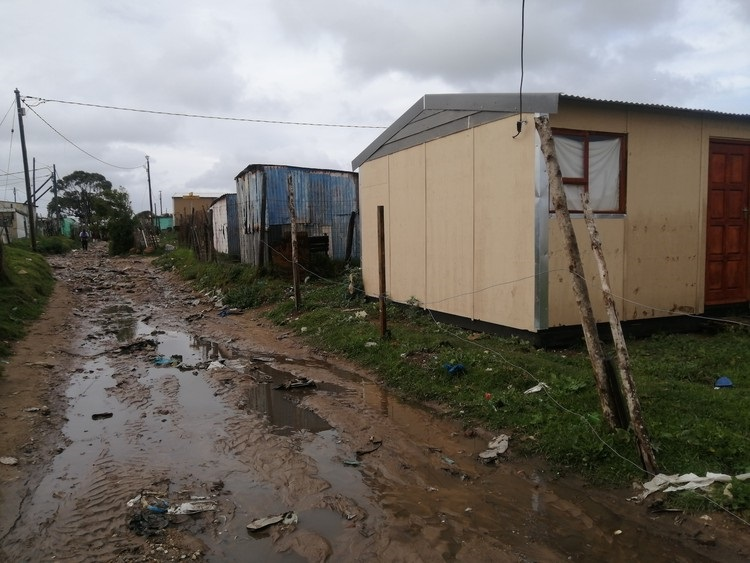 The construction of RDP houses in Walmer Area E in Gqeberha was halted because the municipality said dangerous methane gas was detected on the site.