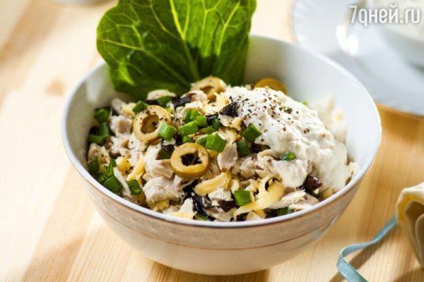 Салат с курицей, зеленым луком и черносливом: рецепт ...