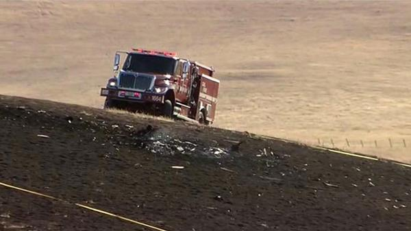 Pilot killed in plane crash that sparked small brush fire ...