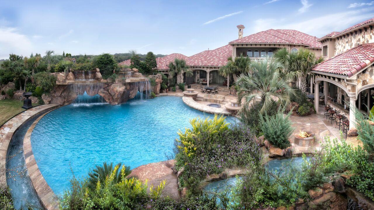 PHOTOS: Check out these amazing staycation backyard ... on Stunning Backyards  id=78704
