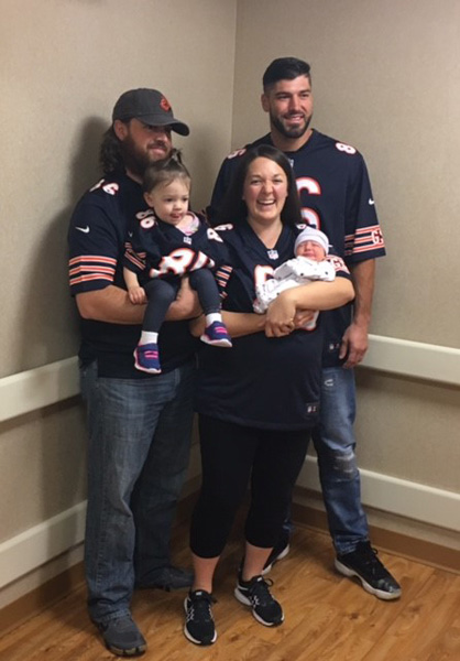 Bears' Zach Miller surprises fans at hospital ...