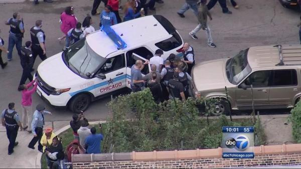 High-speed chase ends in dramatic arrest on Chicago's West ...