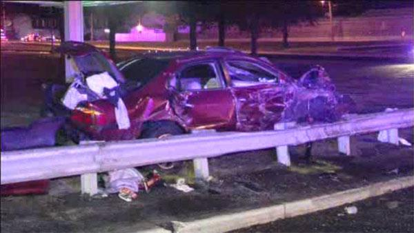 3 injured in car crash in Pennsauken