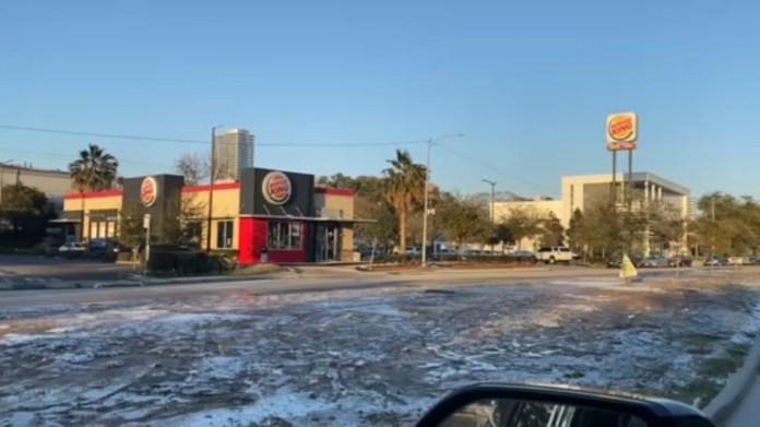 Open Burger King draws huge line during winter storm