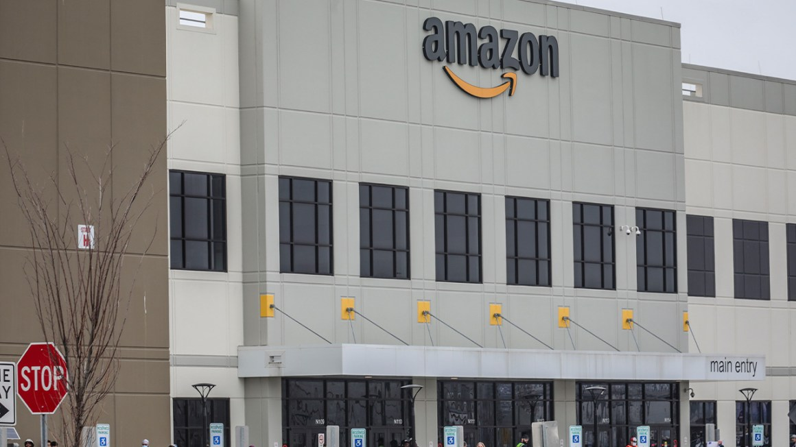Amazon acknowledges issue of drivers urinating in empty bottles in apology for 'peeing' tweet