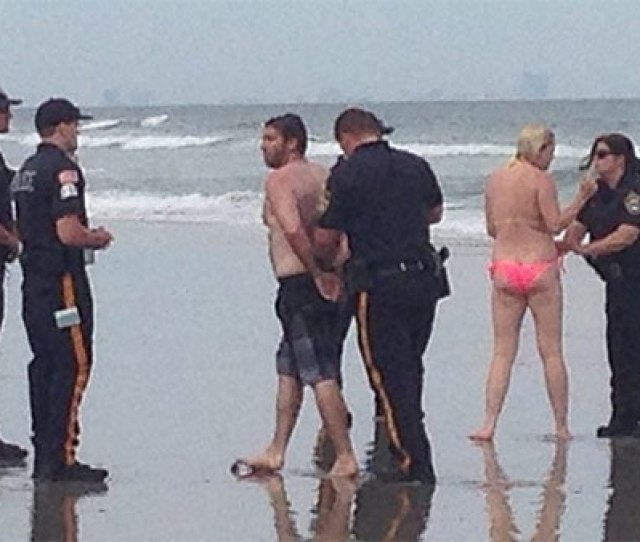 Philadelphia Pair Accused Of Having Sex In Surf In Sea Isle City 6abc Com