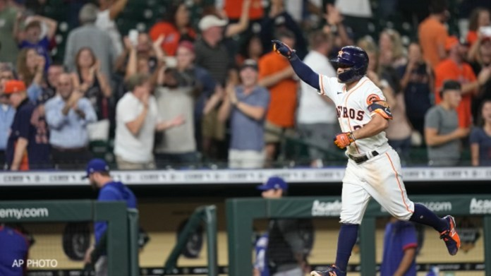 Jose Altuve's walk-off grand slam was best birthday gift for Astros manager