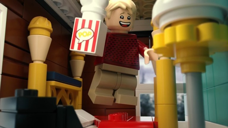 Watch Lego set with 3,955 items recreates the home from 'House Alone' – ABC7 Los Angeles News