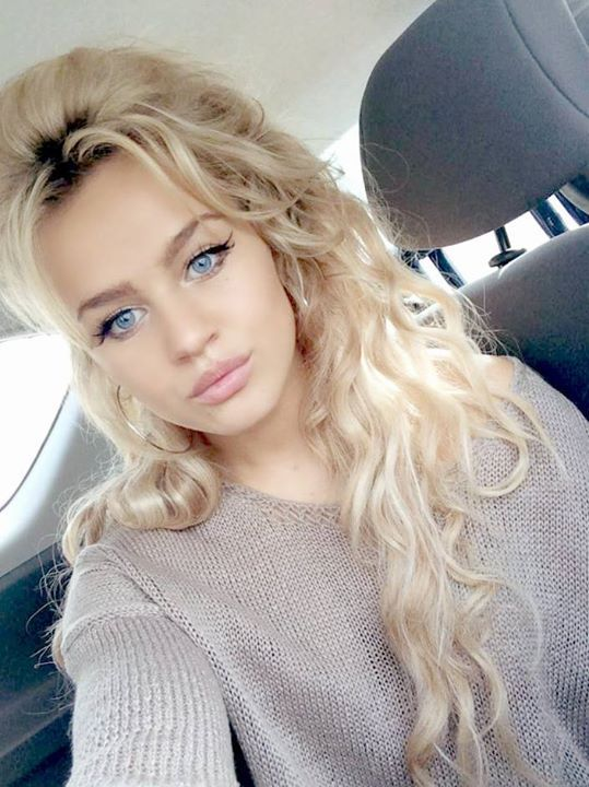 Meet Rosie Mac The Body Double For Daenerys On Game Of