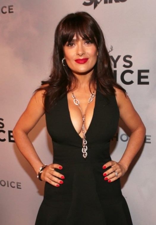 Salma Hayek Flashes Some Major Cleavage At The Guys Choice ...