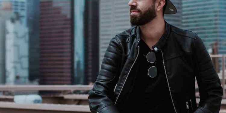 Here's how you can do a modern take on '80s men's fashion trends.