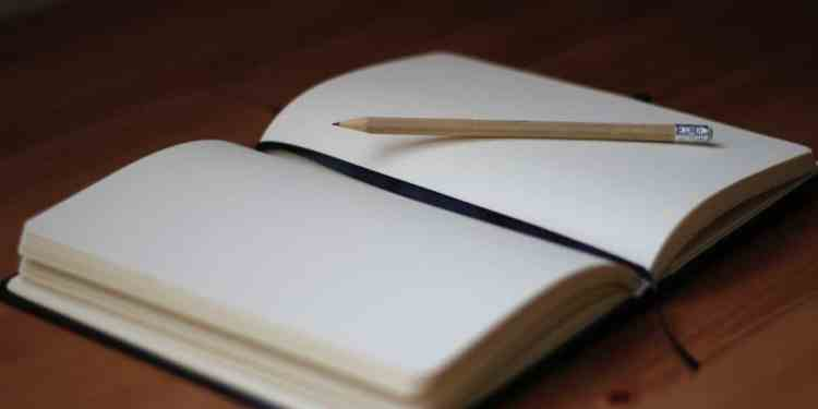 Keeping a fitness journal might just be the secret to reaching your fitness goals.