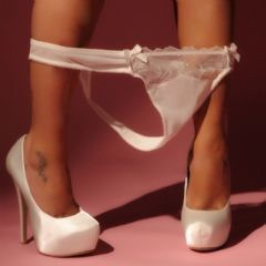 Scottish-Kat  Glasgow  Scotland G1 British Escort