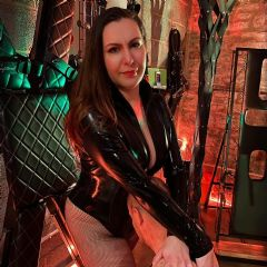 Ms Divine Domino Milton Keynes South East MK19 British Escort