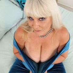 curvychristina Brentwood & London East of England (Anglia) CM13 British Escort