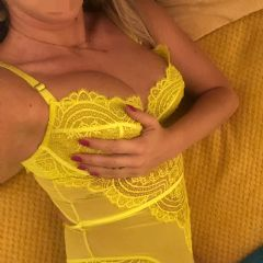 Cleo_masseuse Bedford Milton Keynes Northampton  East of England (Anglia) MK40 British Escort