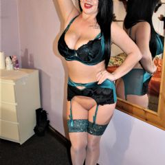 busty giulyaa Southampton, Winchester, Bournemouth, London,  South East so15 British Escort
