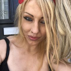 English-Lexi Northampton East Midlands NN2 British Escort