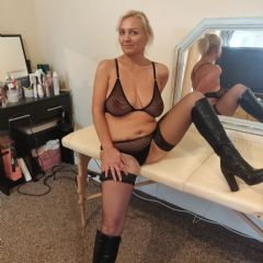 blonde hot wife  Cheshire North West CH5 British Escort