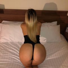 x Sweet Blonde Girl  Cardiff City Center  Wales CF1 British Escort