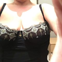 curvy??busty  East of England (Anglia)  British Escort