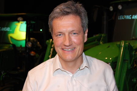 banks left agriculture in the lurch john deere president