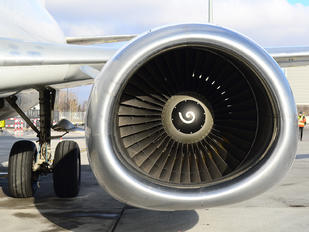 Risultati immagini per boeing 737 turbine