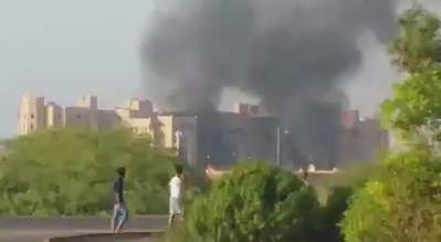 انفجارات في مقر الحكومة اليمنية بعدن