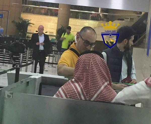 بالصور.. مدرب النصر الجديد كانيدا يصل إلى الرياض