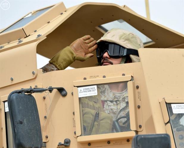 لقطات مميزة من العرض العسكري الختامي لتمرين رعد الشمال