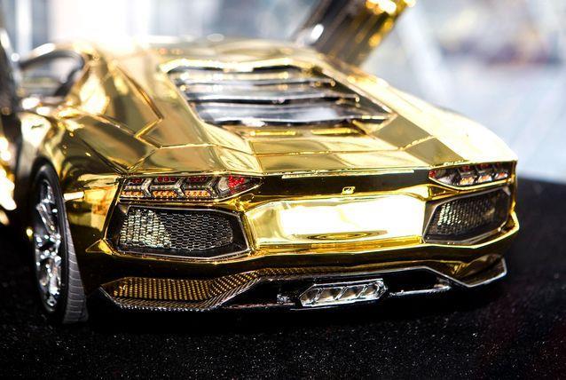 لامبورجيني من الذهب