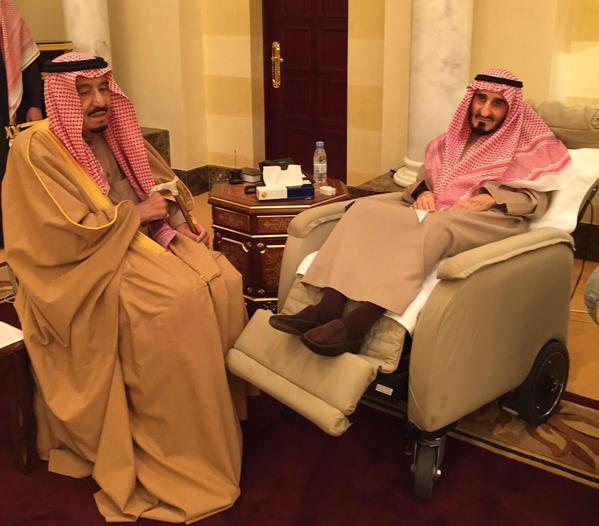 الملك سلمان يزور أخاه بندر للاطمئنان على صحته