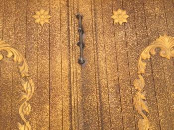 غلاق أبواب مسجد في جازان باللحام