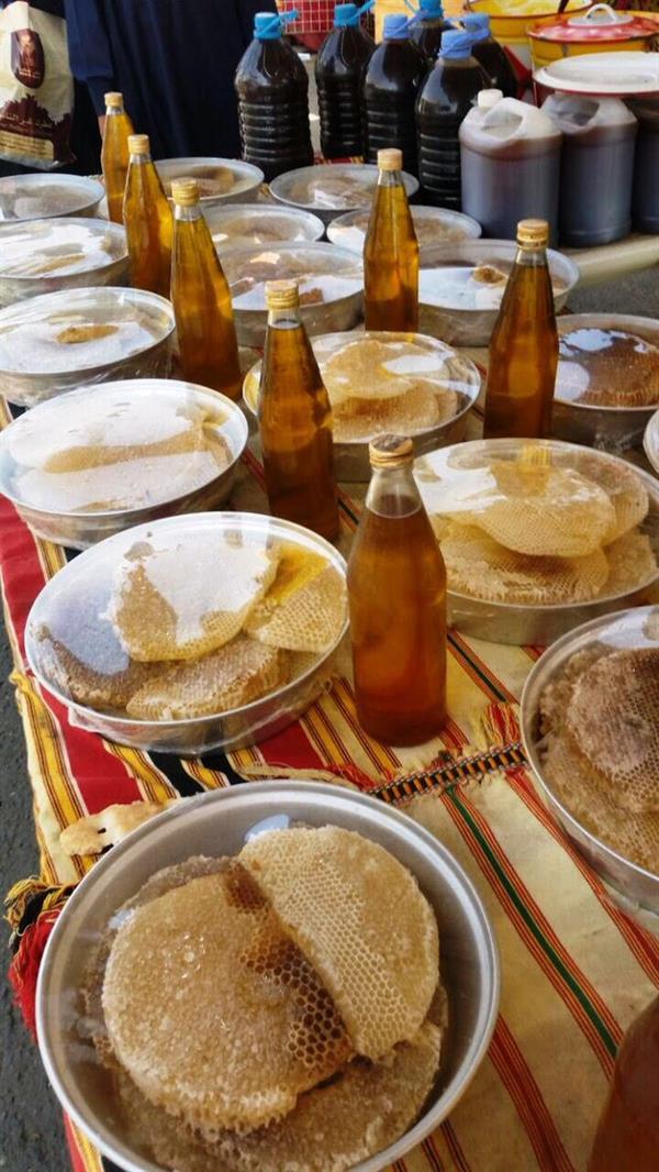 أمانة عسير تحذر من باعة العسل المسرطن