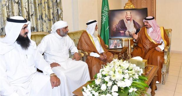 بالصور.. أمير نجران ينقل تعازي القيادة لذوي الأطفال المتوفين بمقذوفات عسكرية حوثية