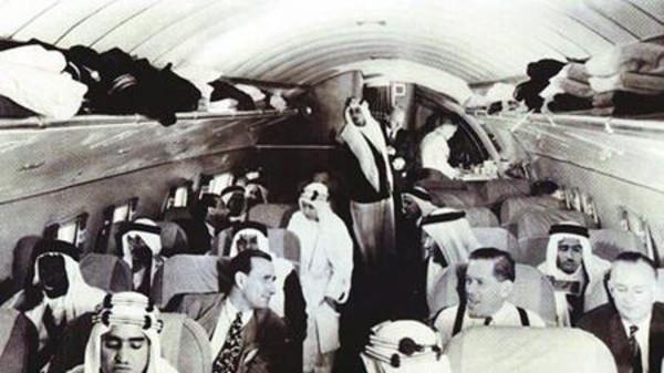 أول طائرة في المملكة مهداة للملك عبدالعزيز