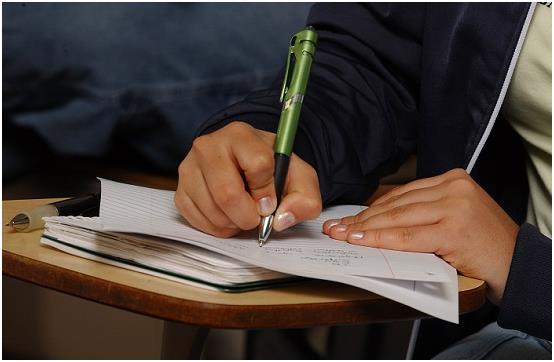 أكتب بإيجاز ملاحظات خاصة بك، مثل أسماء المقابلات والعناوين والعلاقات في هذا المنصب، وأجوبة أخرى على أسئلة يُمكن أن توجه لك، حت