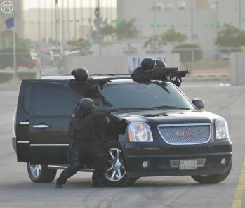 صور لوحدات الأمن الخاصة أثناء العرض العسكري تكشف مدى استعدادهم ومهاراتهم الاستثنائية