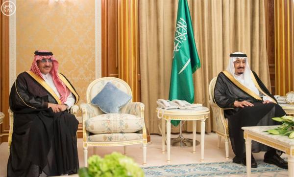 الوزراء والمسؤولون يؤدون القسم أمام الملك سلمان